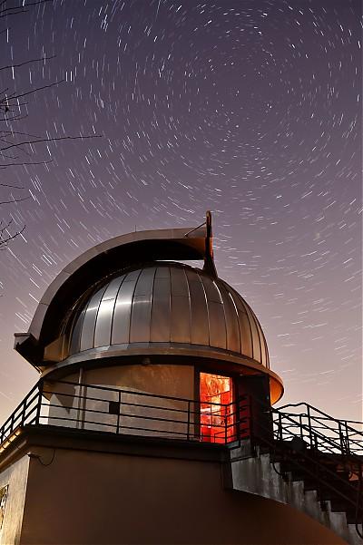 Sternenspuren über der Sternwarte Aachen